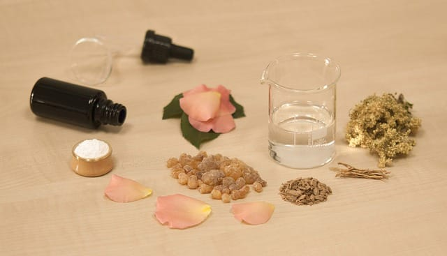 Frankincense essential oil removes moles.